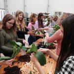 Učenci so spoznavali rastlinstvo v tropskem vrtu v Dobrovniku