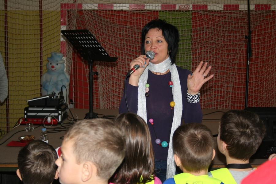 2016-12-23_peoslava-ples_0033